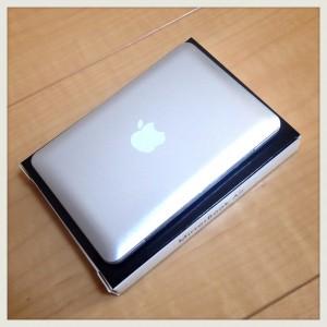 【世界最小】MacBook Airならぬ「MirrorBook Air」ミラー比較-01