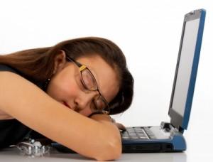 長時間のパソコン作業が原因で起こる「恐ろしい症状」3つ
