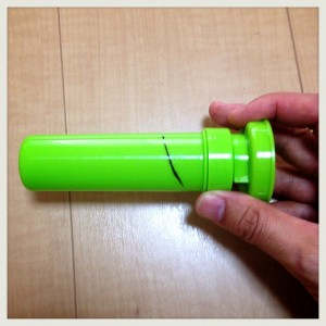 【100均手作りおもちゃ】ダイソー3品で『ガチャソー』を自作しMAX