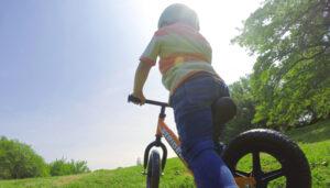 【2歳から遊べる!】ランニングバイク『ストライダー』は楽天で買いMAX