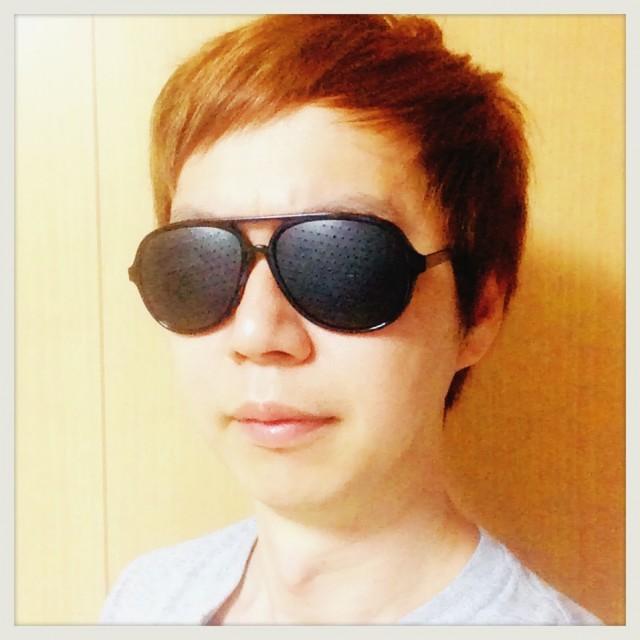 【目の疲れに!】百均のピンホールメガネでも悪くないと思いMAX